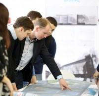 Андрей Озейчук, Rauta Group, с участниками конкурса. Полуфинал STEEL FREEDOM 2014